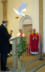 Am 16.11.2014 wurden durch Bischof G. Feige 12 Jugendliche der Gemeinde gefirmt.